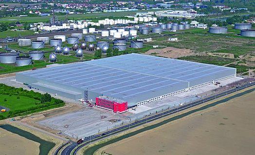 Pneuhage: Eine wirkliche große Industriedachfläche.