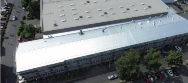 Industriedach mit einer Abdichtung aus Polyisobutylenbahn (PIB)