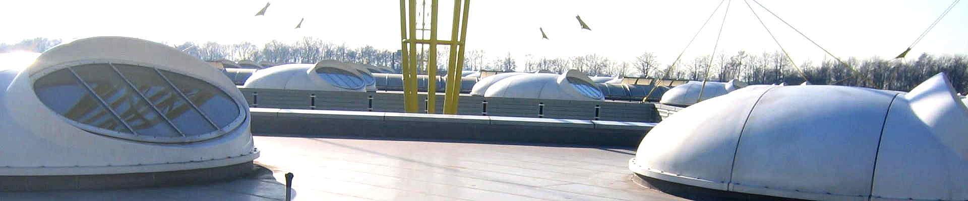 Die Industriedachfläche der IGUS GmbH wurde abgedichtet von der Wierig GmbH Dach und Fassade.