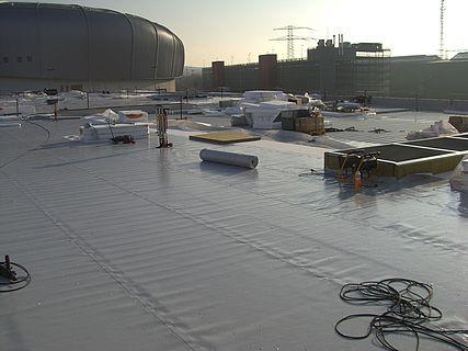 Dacharbeiten bei BMW in Düsseldorf