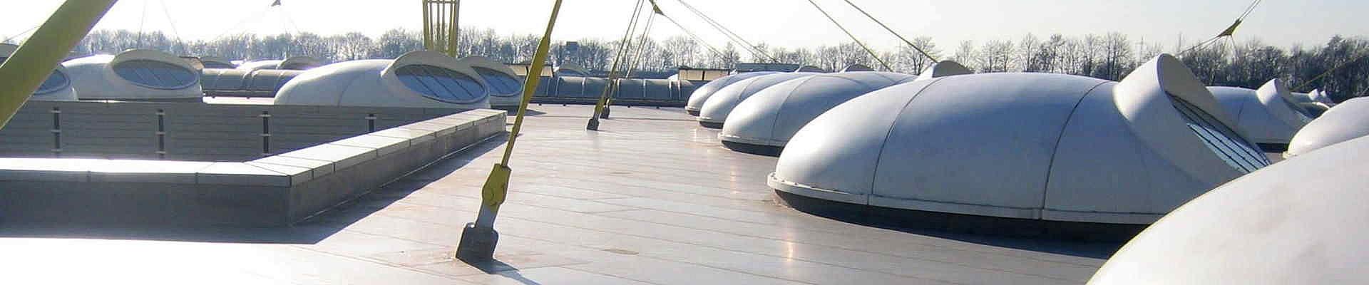 Industriedach in Köln bei der Firma IGUS GmbH.