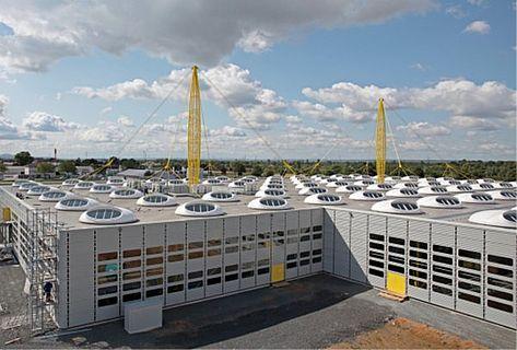 Dachfläche der IGUS Gmbh in Köln